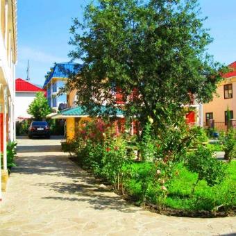 Отдых в Крыму Алушта Канака пансионат снять недорого
