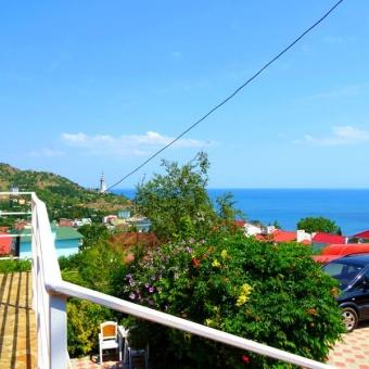 Крым село Малореченское отдых на море в Алуште